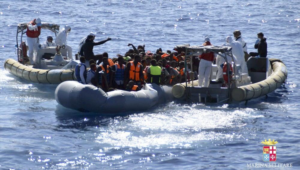 Imagen de archivo de un rescate en el Mediterráneo
