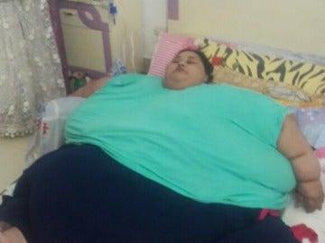 Mujer obesa es operada