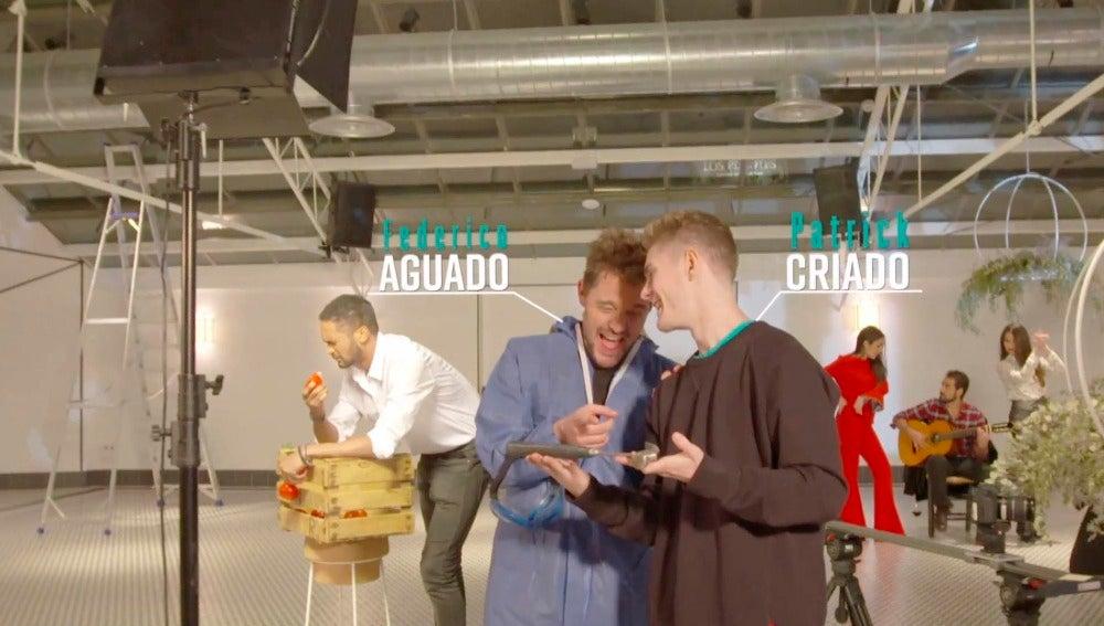 Los protagonistas de 'Mar de plástico' se unen a la moda del mannequin challenge