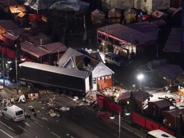 Vista aérea del mercado navideño atacado en Berlín