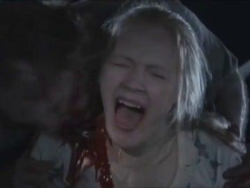 Frame 14.325985 de: Todas las muertes de 'The Walking Dead'