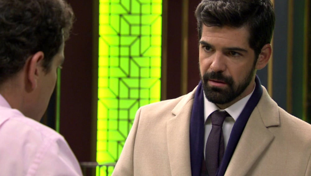 "Alonso a Rafael: ""¿Hay algo que deba saber?"""