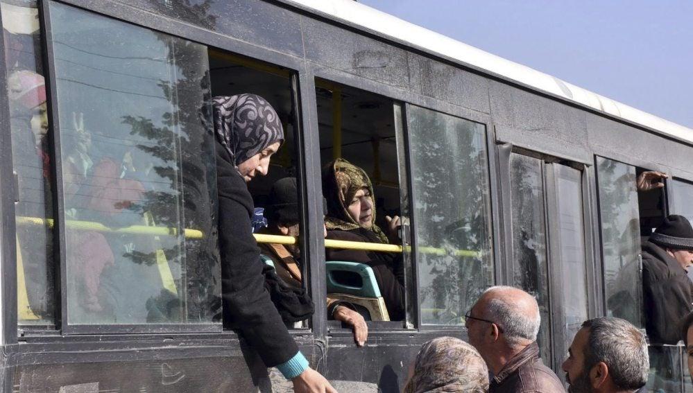 Autobuses saliendo de Alepo