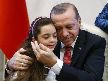 Erdogan recibe en el Palacio presidencial a Bana Alabed