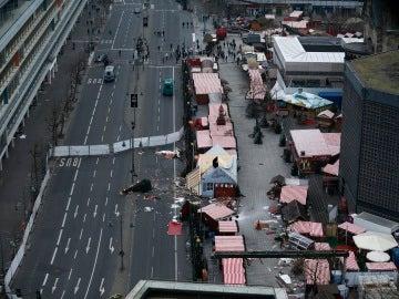 Así quedó el mercadillo de Berlín tras el atentado