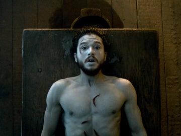 Jon Snow revive en 'Juego de Tronos'