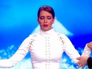 Cristina Pedroche se pone en manos de Jeff Toussaint en un nuevo programa de 'Hipnotízame'