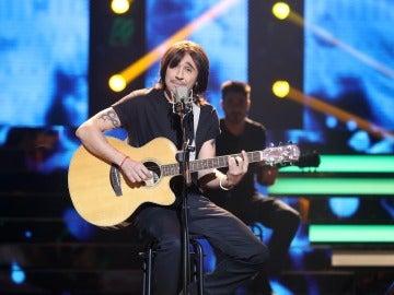Canco Rodríguez se convierte en Juanes para declarar su sentimiento con 'Me enamora'