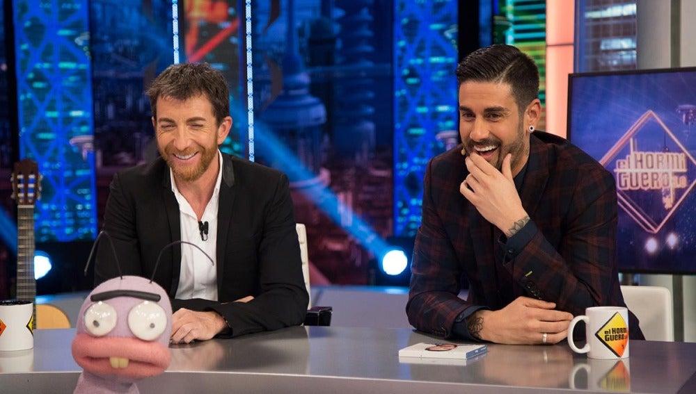 Melendi descubre quién es el hombre más atractivo de España