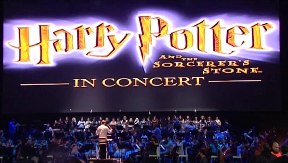 Frame 16.648895 de: La orquesta clásica Santa Cecilia trae a España la banda sonora de Harry Potter