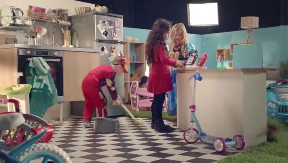 Frame 53.870793 de: ¿Sigue habiendo publicidad diferenciada para niños y niñas?