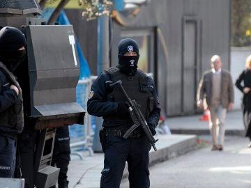 Agentes de seguridad en Estambul