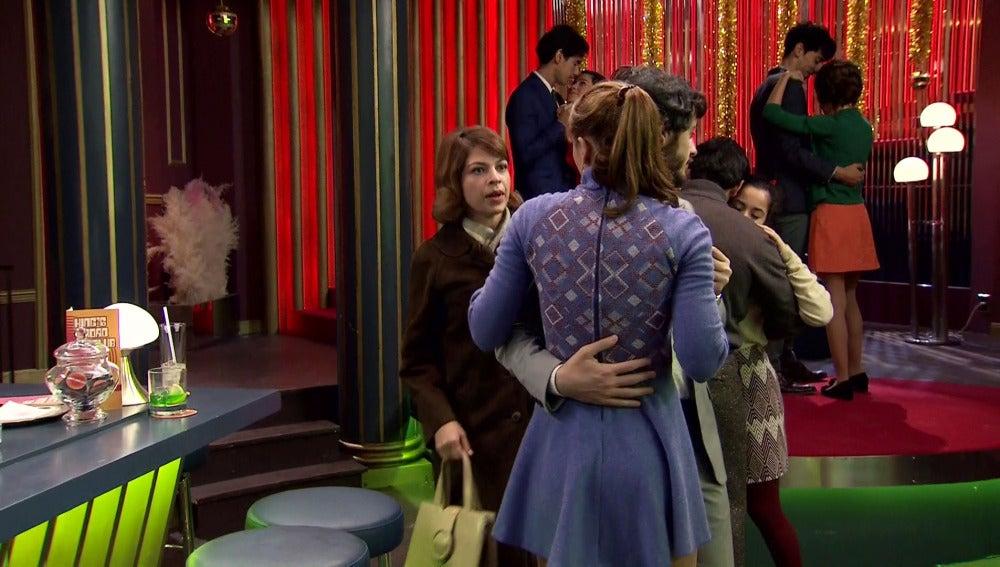 Nuria interrumpe un momento íntimo de Jaime con Henar
