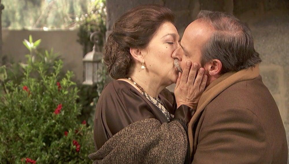 Raimundo y Francisca dan rienda suelta a su viejo amor