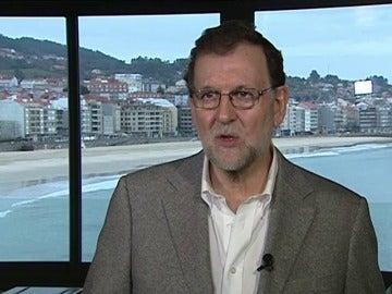 """Frame 6.503061 de: Rajoy destaca que los datos del paro y la Seguridad Social son """"buenos y esperanzadores"""""""