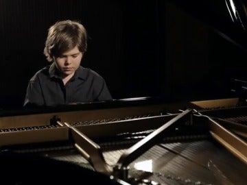 Frame 24.734496 de: Estos niños virtuosos sorprenden al mundo con su talendo