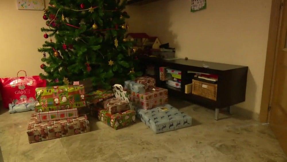 """Frame 71.706218 de: Los expertos advierten sobre el exceso de regalos a los niños en Reyes: """"Menos es más"""""""