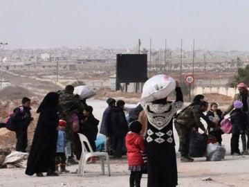 Varias familias en las inmediaciones de Alepo (Archivo)