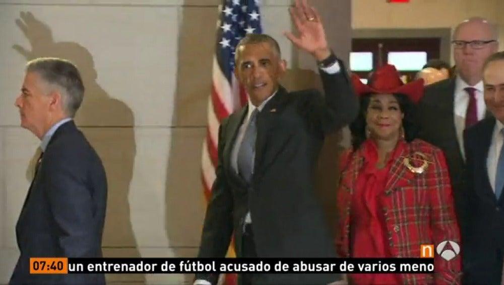 Frame 36.382777 de: obama