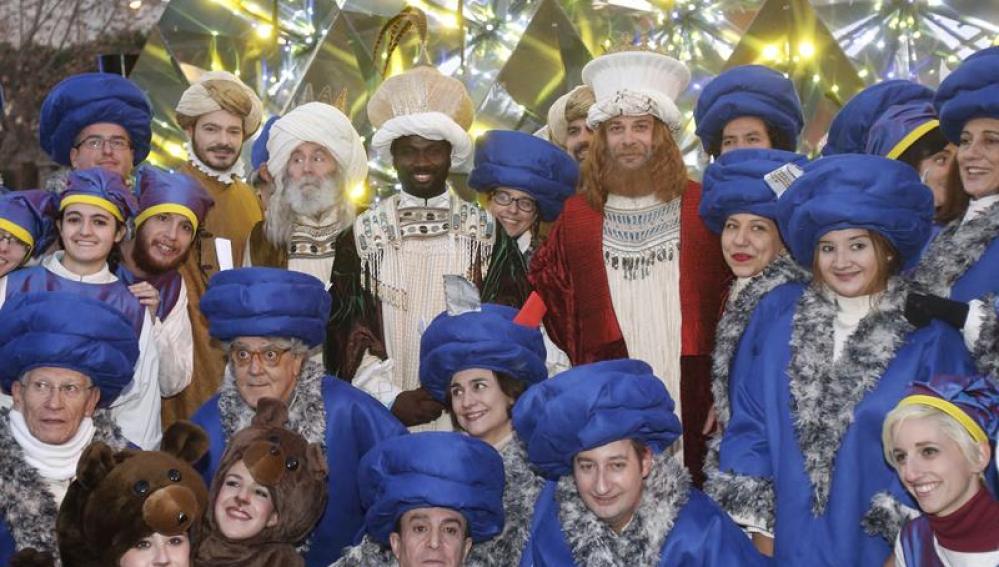 Los Reyes Magos, antes de la cabalgata de Madrid