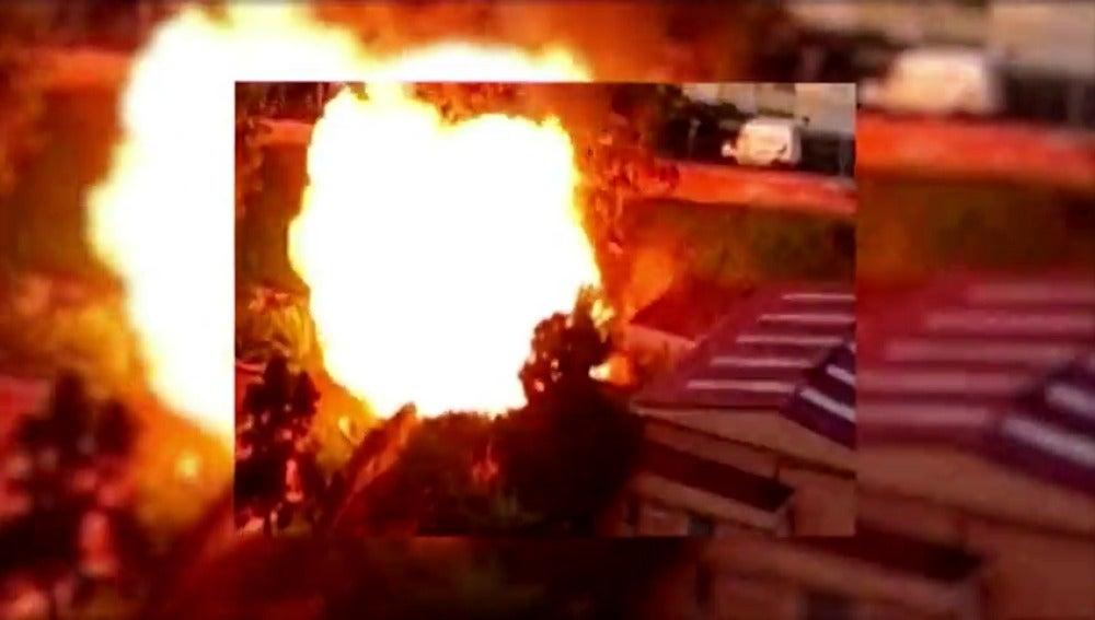 Frame 2.041938 de: Violenta explosión en un colegio de los Realejos, Tenerife