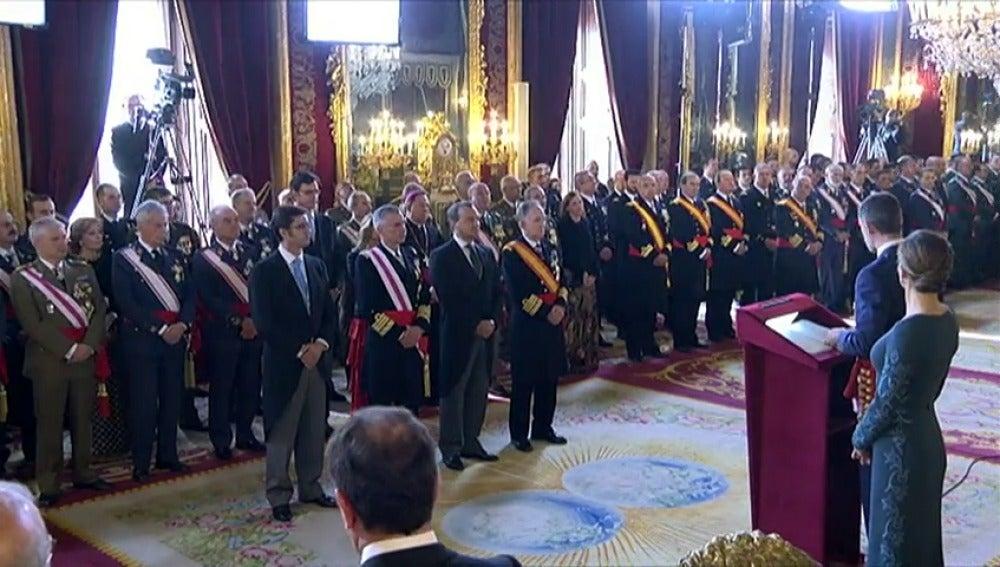 """Frame 72.761547 de: El Rey, a los militares: """"No debemos escatimar esfuerzos para combatir la lacra del terrorismo"""""""