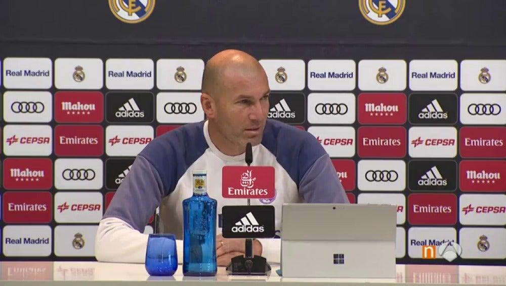 """Frame 0.0 de:  Zidane: """"Cristiano tiene que descansar. Es inteligente y hablamos para que rote"""""""