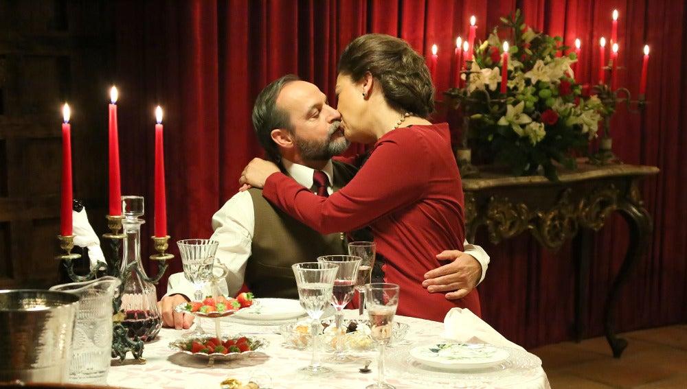 El encuentro más íntimo entre Francisca y Raimundo