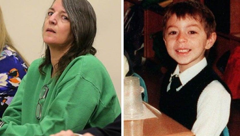Michelle Lodzinski  y su hijo en una foto de archivo