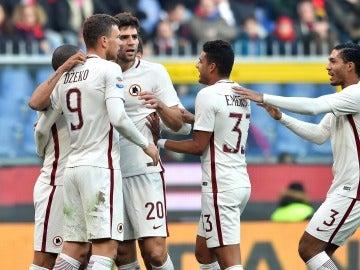 La Roma celebrando el gol frente al Génova