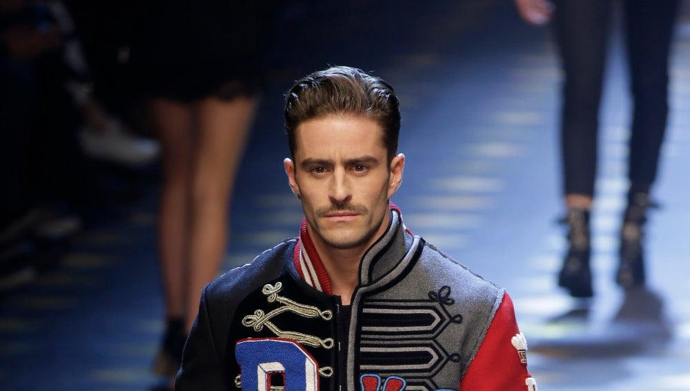 Pelayo Díaz desfilando para Dolce & Gabbana