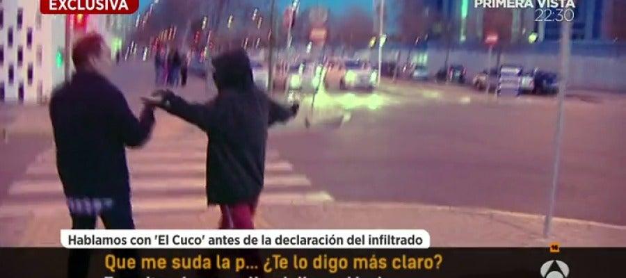 Antena 3 tv 39 el cuco 39 amenaza al reportero de espejo for Ver espejo publico hoy