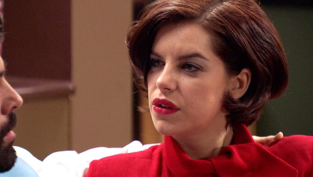 Marta descubre la información que oculta Alonso