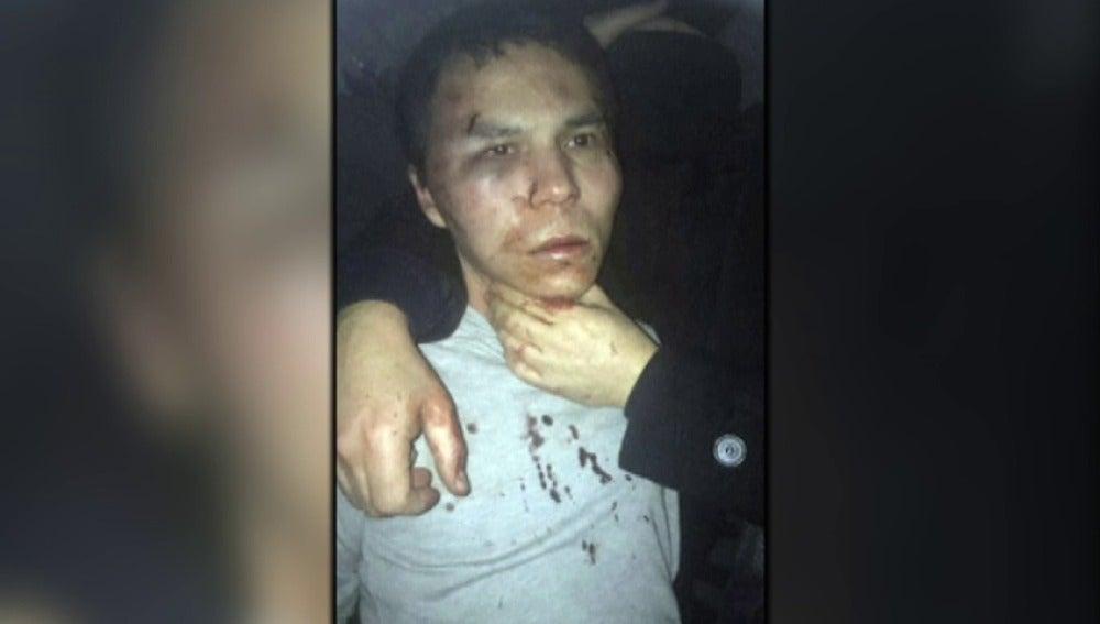 Frame 4.238088 de: El terrorista del atentado en Nochevieja en Estambul es de Daesh, fue talibán, estuvo en Al Qaeda y se entrenó en Afganistán