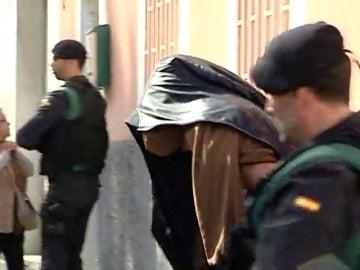 Frame 1.719409 de: Detienen en Las Palmas a un marroquí por enaltecimiento de terrorismo yihadista y propaganda