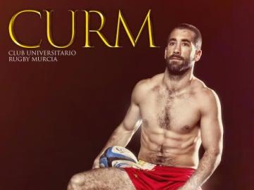 Los jugadores del club universitario de Murcia en su calendario benéfico