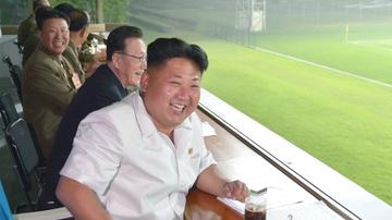 Kim Jong-un presencia un partido de fútbol