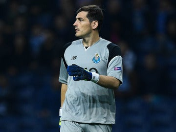 Iker Casillas en un partido con el Oporto