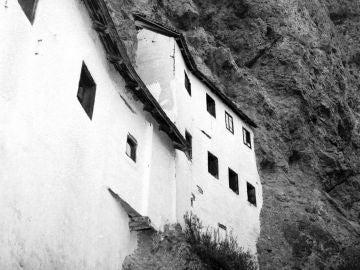 La ermita está situada a 1.400 metros de altura en los Alpes austríacos