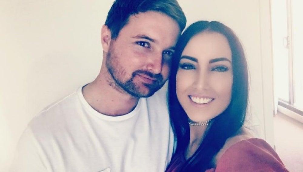 Nardya Miller y su prometido