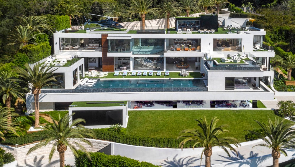 Vista general de la lujosa mansión