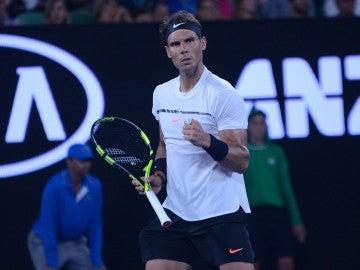 Rafa Nadal celebra un punto en el Open de Australia