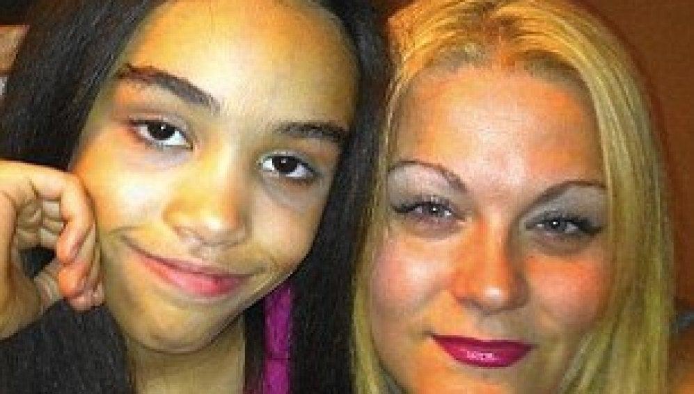 Nichollete Lawrence y su hija fallecida