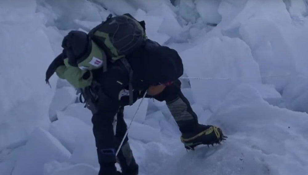 La expedición de Alex Txikon, en busca de coronar el Everest
