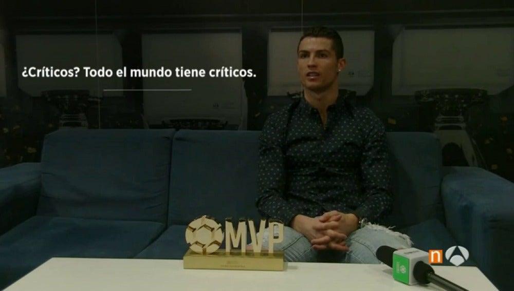 """Frame 0.971393 de: Cristiano Ronaldo: """"No me preocupan los pitos, yo sólo trato de hacer felices a los aficionados"""""""