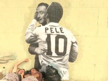 """Frame 46.053333 de: El alcalde de Sao Paulo tapa con pintura gris los grafitis y los """"pixos"""" urbanos"""