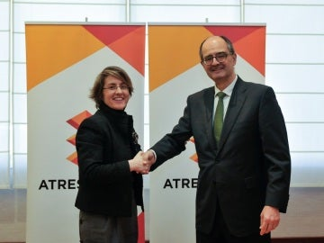 Patricia Pérez, directora general Corporativa de Atresmedia y Carlos Pérez Caseiras, rector de la Universidad San Jorge