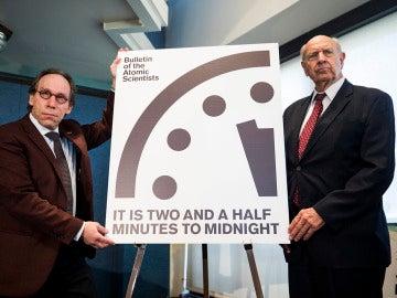 Científicos Atómicos adelantan el 'Reloj del Juicio Final'