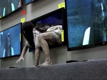 """Frame 4.00313 de: La estremecedora campaña promocional de la película """"Rings"""" se convierte en viral"""