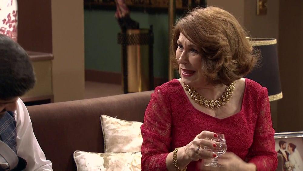Ana María le insinua a Alonso que se casó por interés